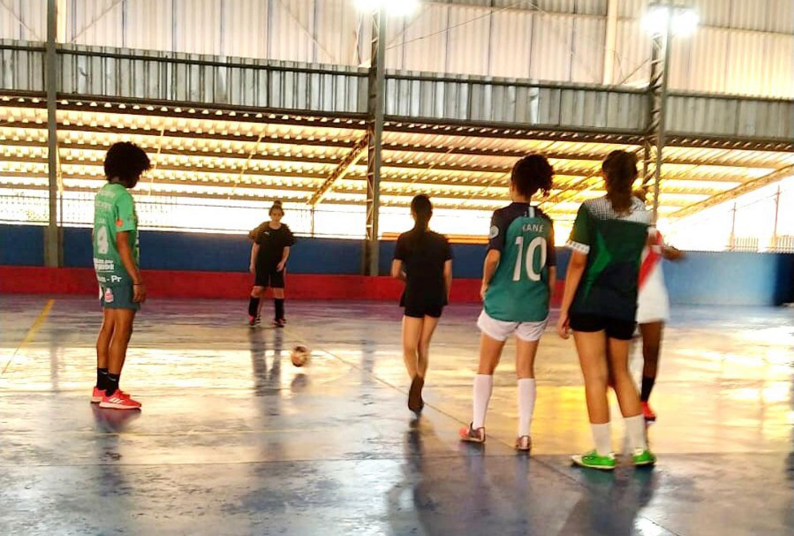 Imagem Escolinha de Futsal das Poderosas recebe inscrições de meninas entre 12 e 17 anos
