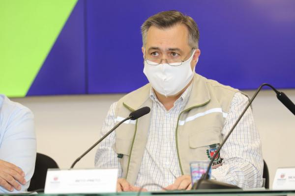 Imagem Covid-19: Secretário de Saúde do Paraná diz que não é hora de suspender uso da máscara